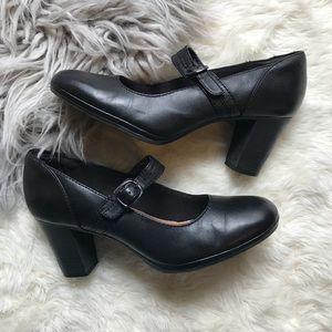 Clarks Brynn Posey Mary Jane Pump Leather Black